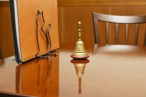 カフェの机とメニュー